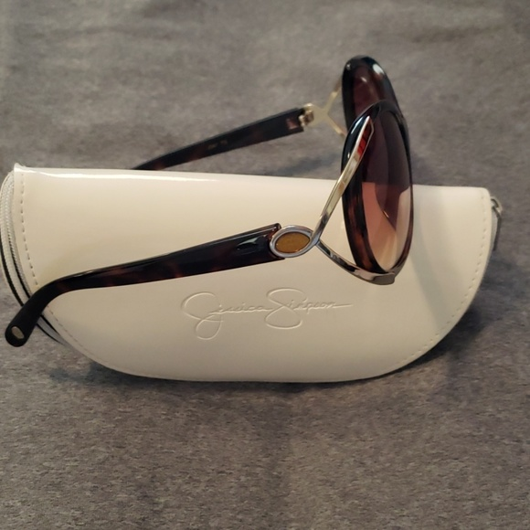 Jessica Simpson Accessories - Jessica Simpson sunglasses